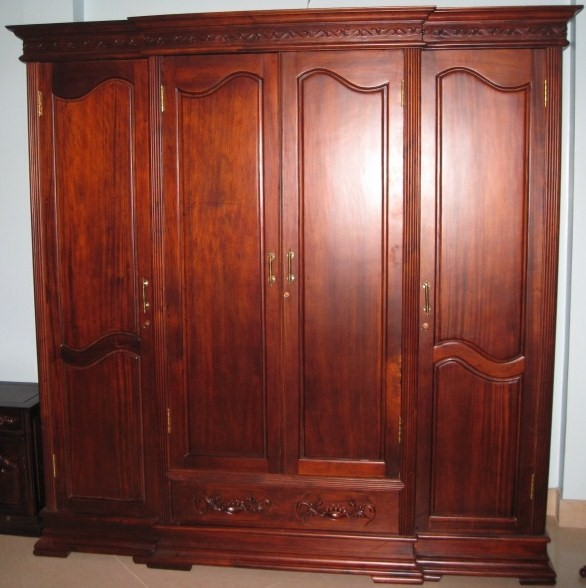 Tủ áo gỗ tùng đỏ