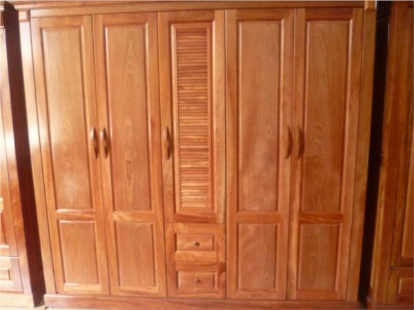Tủ quần áo gỗ xoan đáo với 5 buồng cánh chớp