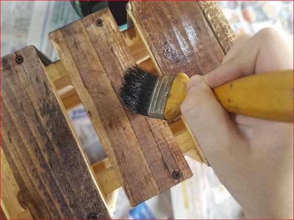 Cách làm giường gỗ Pallet
