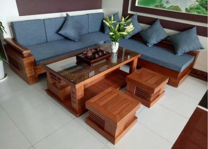 Bàn ghế làm từ gỗ keo