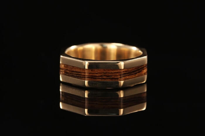 Nhẫn cẩn gỗ Bocote ấn tượng