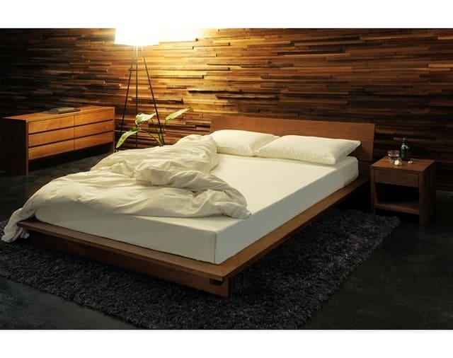 Giường gỗ kiểu Nhật gỗ óc chó của thương hiệu MasterWal
