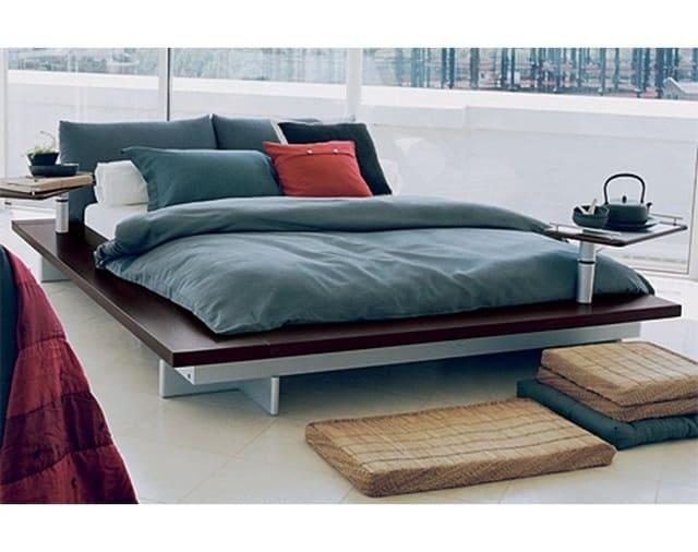 Giường kiểu Nhật được thiết kế bởi Peter Maly sản xuất từ nguyên liệu gỗ sồi