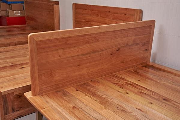 Giường ngủ gỗ giá tỵ