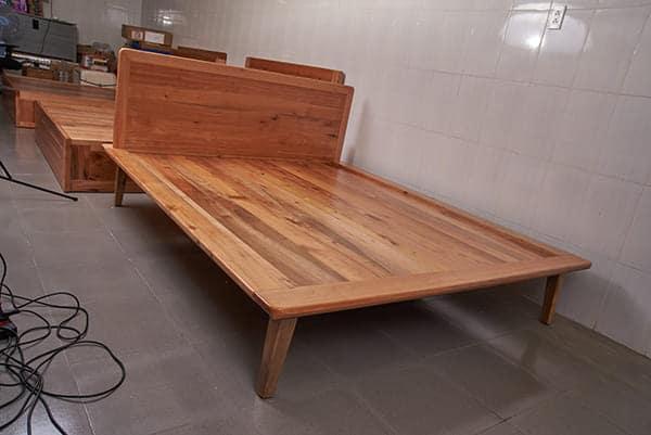 Giường gỗ giá tỵ