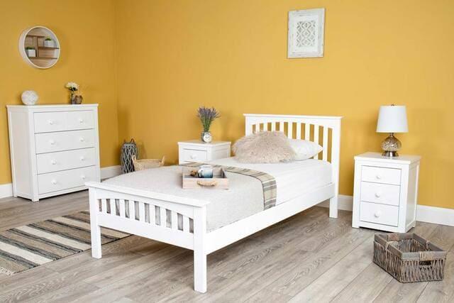 Giường gỗ chân cao