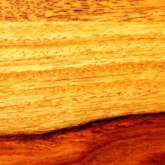 Màu sắc và vân gỗ muồng