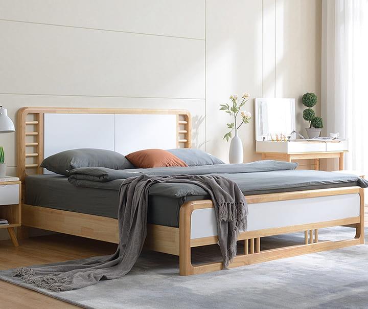 Giường gỗ dổi sang trọng và độc đáo