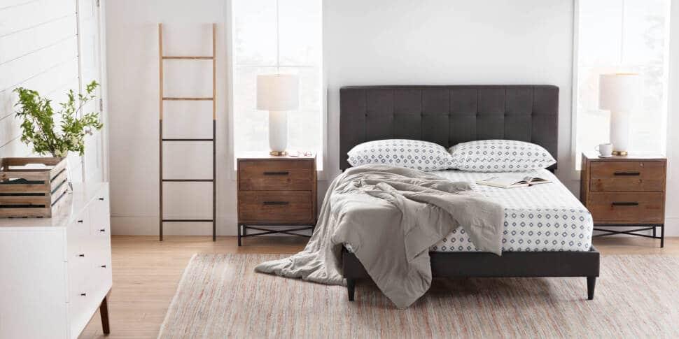 Thiết kế của giường bọc nệm khung gỗ BN02