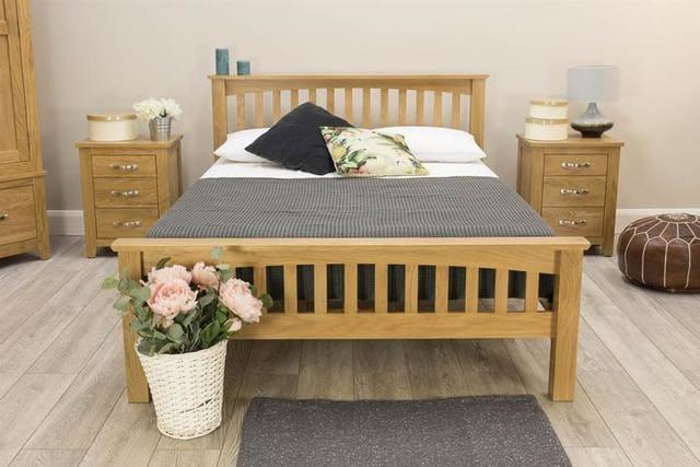 Giường gỗ sồi