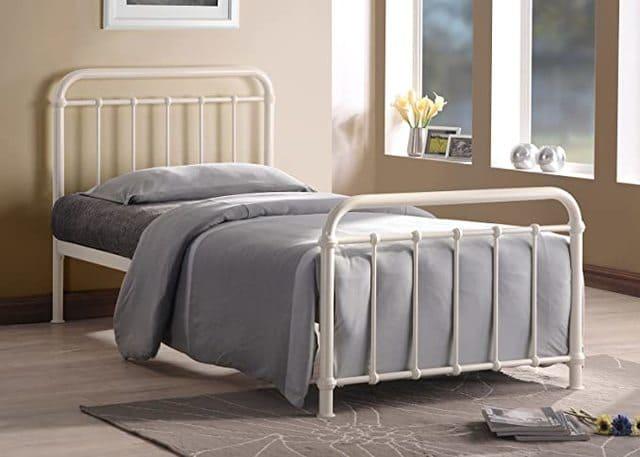 Giường ngủ sắt màu trắng ngà giá rẻ cho sinh viên nữ