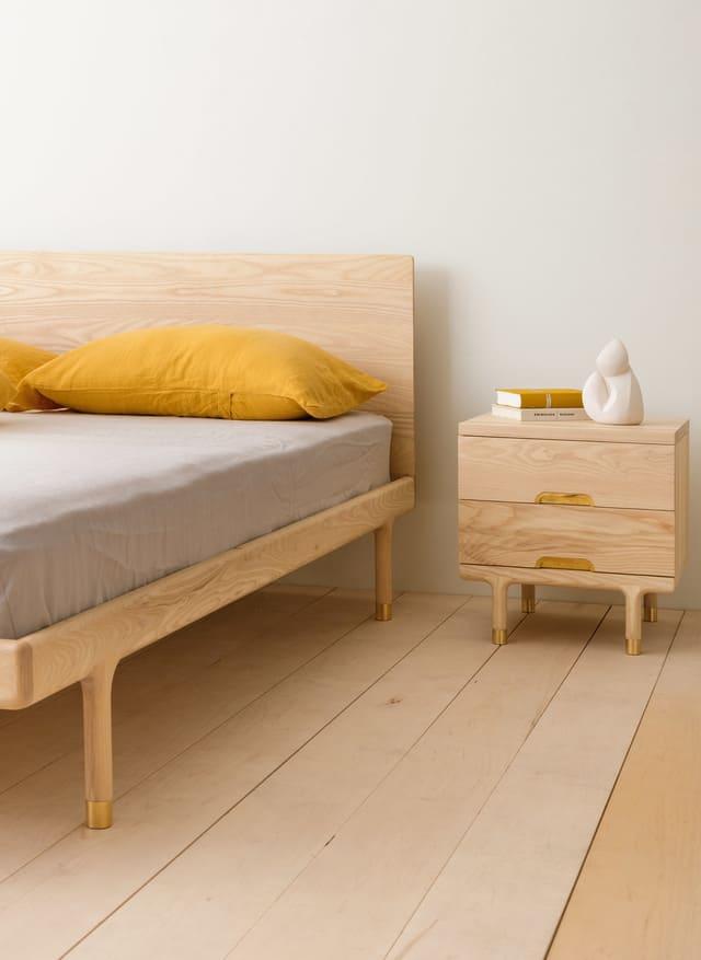 Mẫu giường đơn từ gỗ sồi Nga