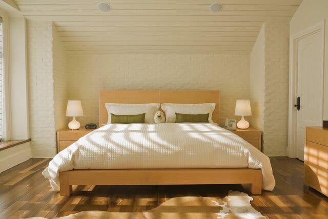 Các hướng tốt cho phong thủy giường ngủ vợ chồng