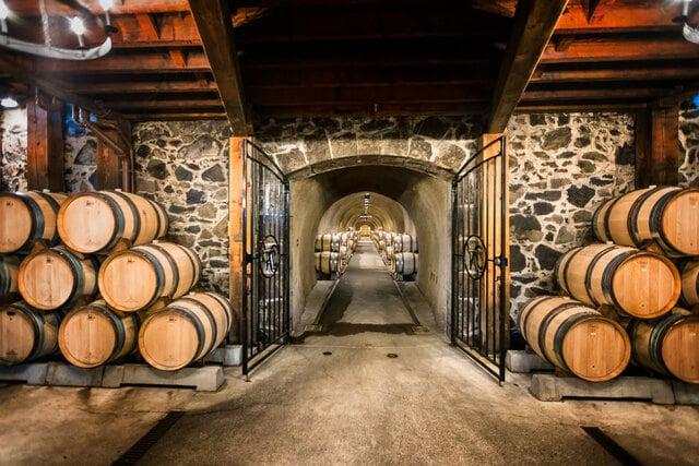 Bảo quản rượu vang trong hầm