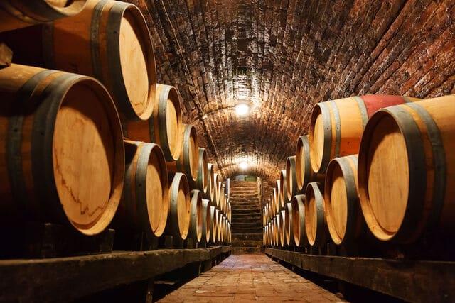 Chọn gỗ làm thùng đựng rượu vang